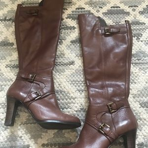 Guess brown leather heeled boots